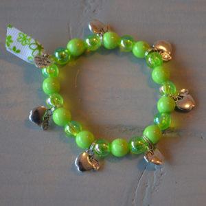 armbandje groen met appeltjes