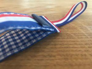 speenkoord nederlandse vlag orgineel kraamcadeau kado baby babyshower speen detail